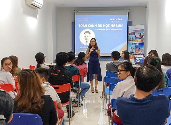 Bà Hoàng Vĩnh Hường phát biểu trước hội thảo