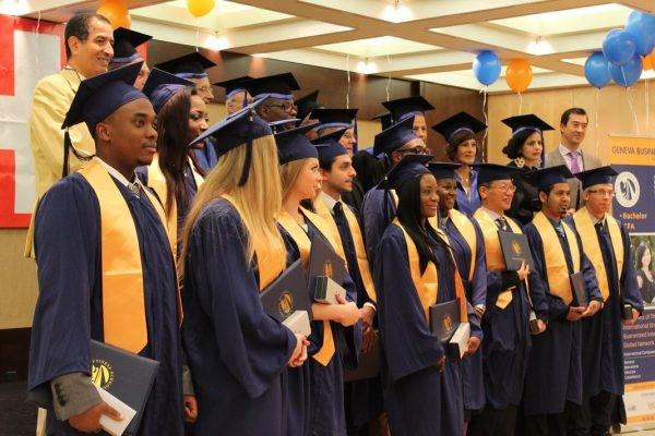 Sinh viên tốt nghiệp trường kinh doanh Geneva