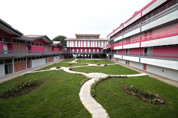 Một góc khuôn viên trường Cao đẳng quốc tế Dimensions