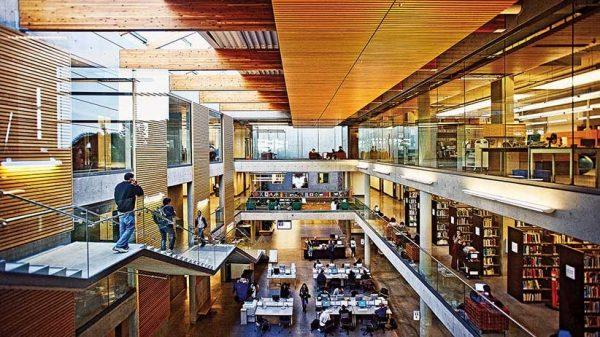 Thư viện tuyệt đẹp của Douglas College