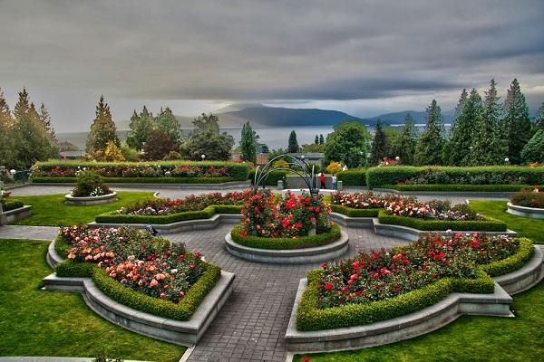 Đại học British Columbia nằm trong top 10 trường Đại học đẹp nhất Canada