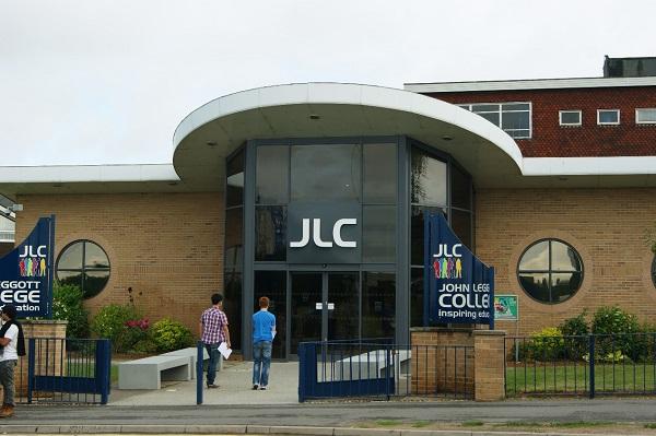 Trường John Leggott College, Anh Quốc
