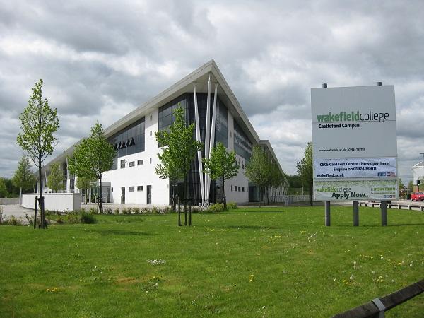 Trường có 3 cơ sở chính nằm tại các huyện Wakefield