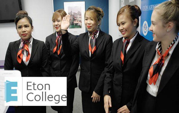 Sinh viên trường cao đẳng Eton College