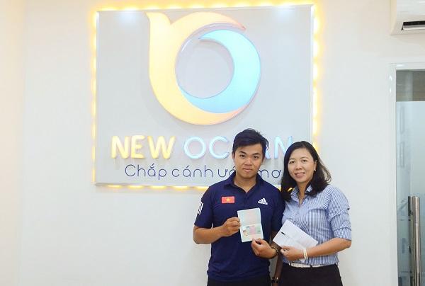 Đoàn Công Thuận nhận Visa du học Hà Lan tại văn phòng New Ocean tại TP. HCM