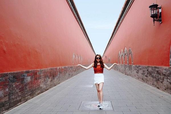 Cô gái của chúng ta đã có rất nhiều chuyến du lịch đáng nhớ tại Trung Quốc