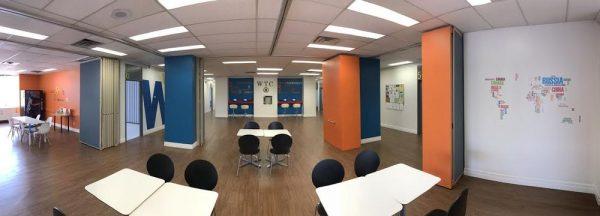 Student Lounge của trường là nơi các bạn gặp gỡ và giao lưu văn hóa