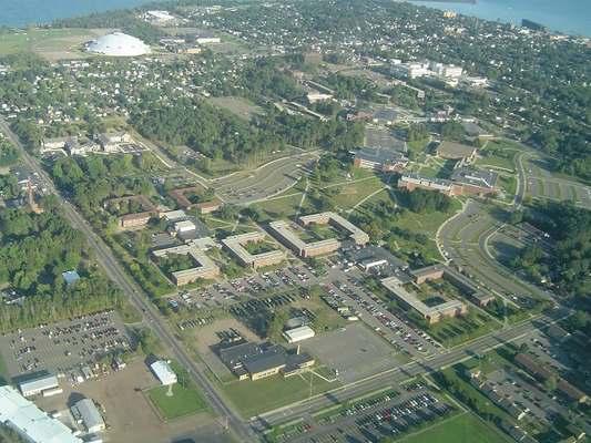 Đại học Bắc Michigan từ trên cao
