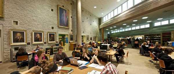 Tận hưởng cơ sở vật chất hiện đại và bầu không khí học tập sôi nổi tại ICM