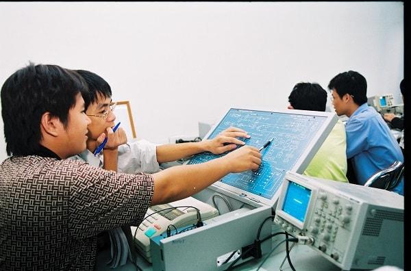 Ngành điển tử viễn thông và công nghệ thông tin