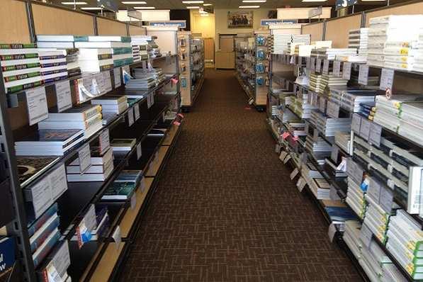 Một góc trong thư viện Đại học Bắc Florida