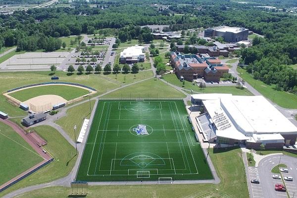 Sân bóng trong khuôn viên SUNY Poly