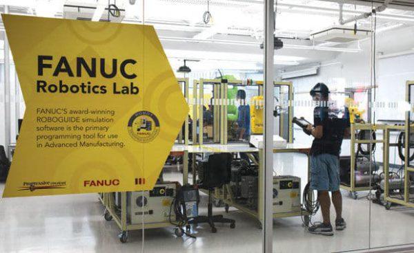 Phòng thí nghiệm cơ khí trường cao đẳng Mohawk