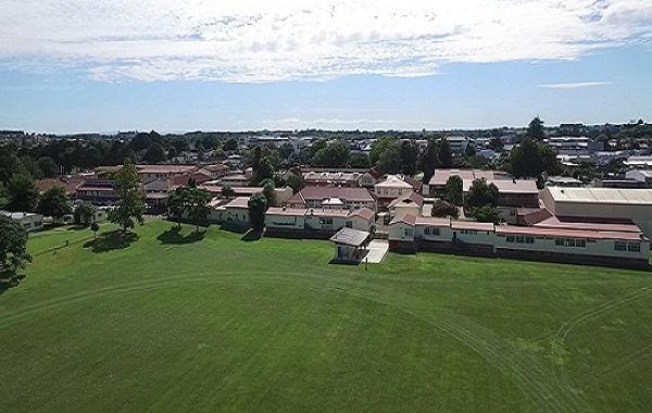 Một góc nhìn khác từ trường trung học Pukekohe