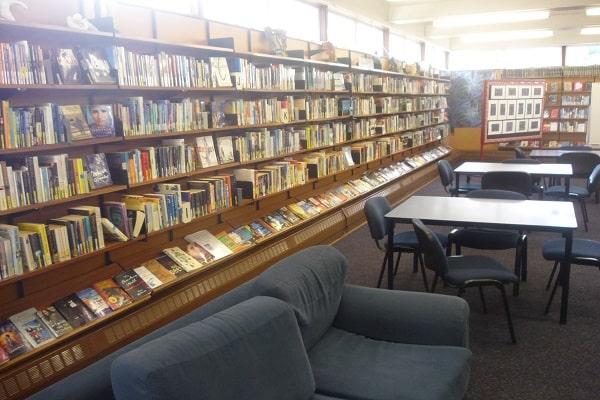 Một góc trong thư viện của trường