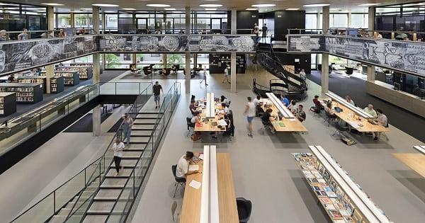 Thư viện là một điểm đến lí tưởng cho sinh viên yêu thích nghiên cứu.
