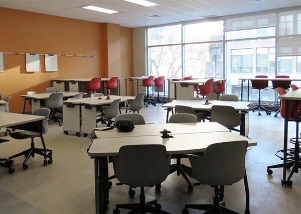 Lớp học được thiết kế sáng tạo với đầy đủ nội thất công nghệ mới mẻ