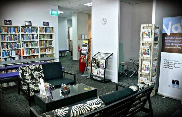 Một góc thư viện của Học viện SDH