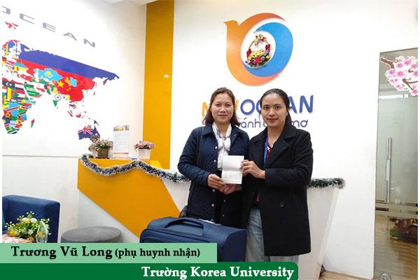 Phụ huynh bạn Trương Vũ Long nhận Visa từ New Ocean