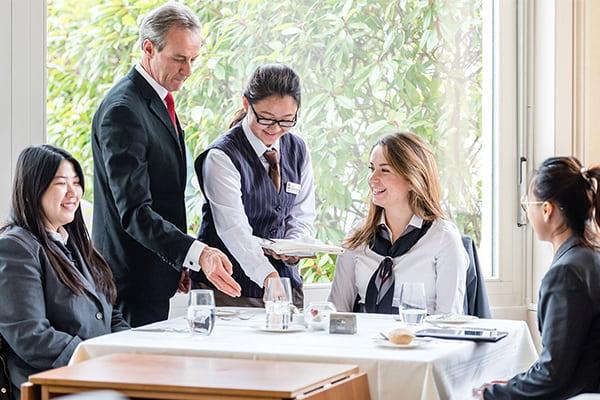 Ngôi trường với nhiều năm kinh nghiệm trong đào tạo ngành quản trị khách sạn