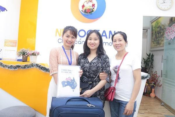 Mỹ Duyên cùng Mẹ nhận Visa du học Úc từ New Ocean