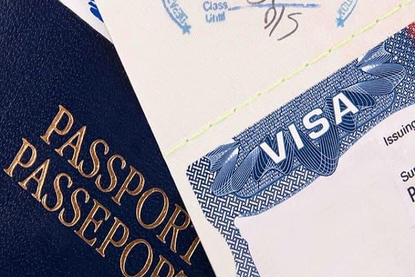 So với Singapore, các điều kiện visa Úc có phần chặt chẽ hơn