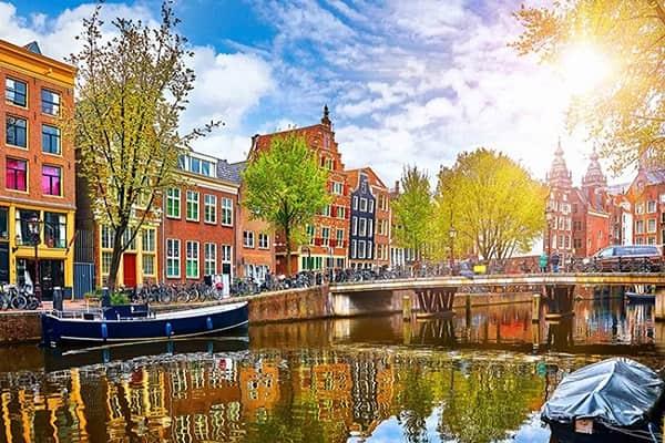 Du học Hà Lan vào kì mùa xuân cũng có nhiều lợi ích tuyệt vời