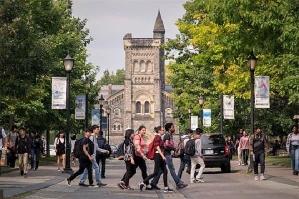 Hệ thống giáo dục luôn nằm trong top phát triển tại Canada