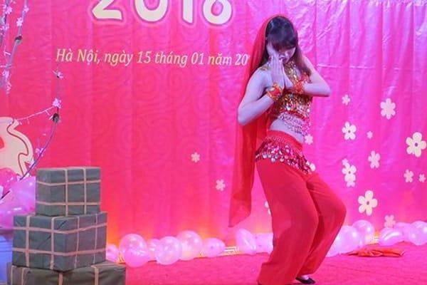 Đặc sắc vũ điệu múa bụng trong Gala tổng kết