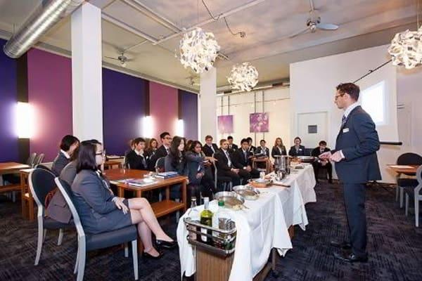 Du học Thụy Sĩ ngành quản trị khách sạn du lịch