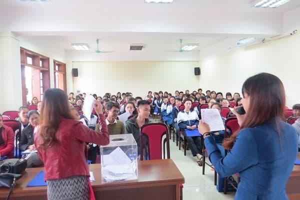 Hội thảo thu hút nhiều các bạn học sinh đến tham dự