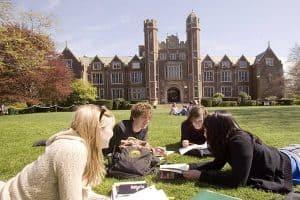 Khóa học dự bị Đại học tại Anh