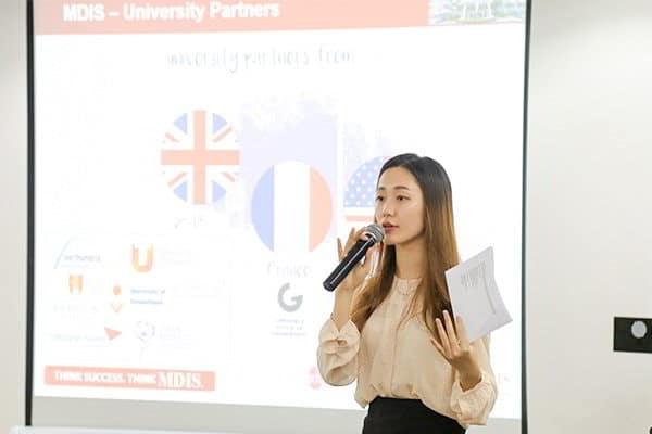 Ms.Maya - Đại diện tuyển sinh của trường tại Việt Nam