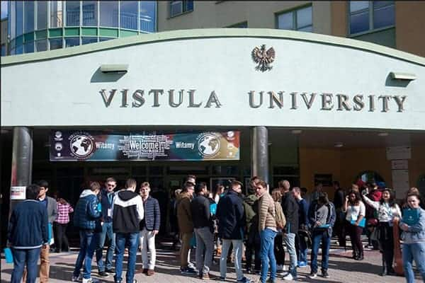 Đại học Vistula - Ngôi trường được nhiều bạn du học sinh quốc tế quan tâm