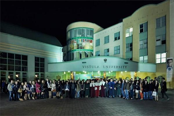 Rất nhiều bạn du học sinh đã lựa chọn ngôi trường này để đi du học