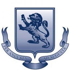 Logo trường trung học Takapuna Grammar|Trường trung học Takapuna Grammar|Đội thể thao của trường|Một lớp học đang diễn ra|Trường tọa lạc tại bờ biển xinh đẹp Takapuna