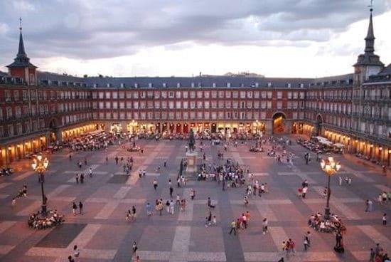 Madrid thành phố đáng sống ở Tây Ban Nha