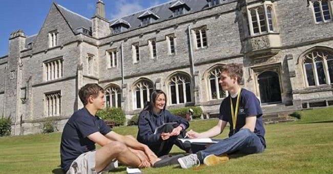 Nếu du học Châu Âu, các bạn hoàn toàn có thể yên tâm về chất lượng giáo dục, đào tạo nơi đây.