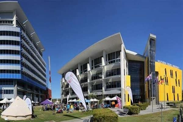 Ngôi trường với rất nhiều cơ sở tại Úc