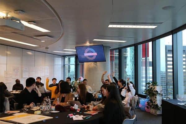 Giờ học tại Học viện IMC, Úc