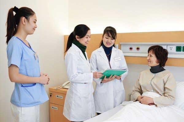 Du học ngành y tế tại Canada