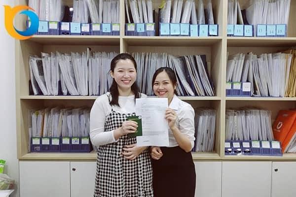 Lê Hoài Thiên Trang nhận Visa du học Thụy Sĩ trường BHMS