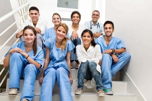 Ngành y tế là một trong những ngành thiếu nhân lực tại Canada