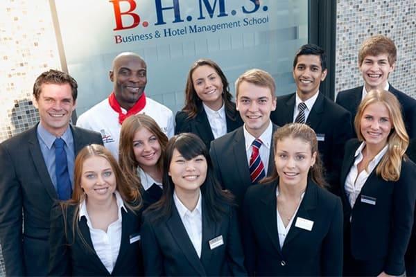 Quản trị và du lịch khách sạn BHMS