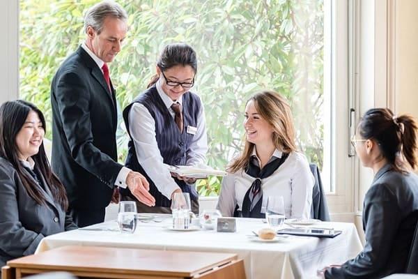 Khởi động du học Thụy Sĩ với ngành Quản trị du lịch – khách sạn