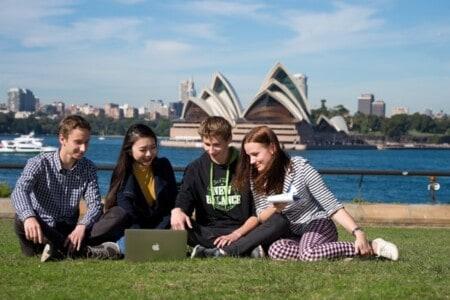Chính phủ Úc cam kết hỗ trợ cho sinh viên quốc tế quay lại Úc