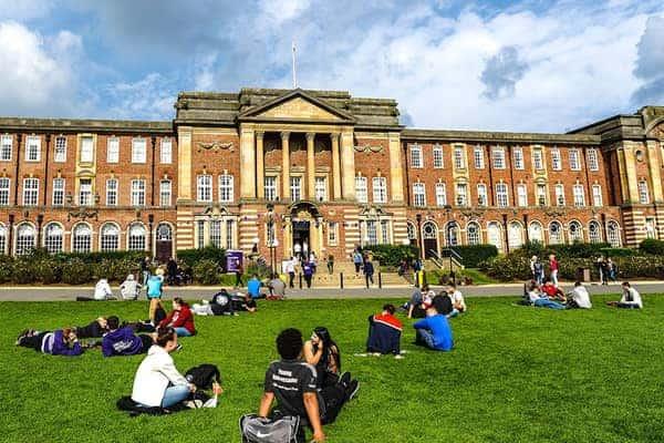 Truờng Leeds Beckett có một cộng đồng sinh viên quốc tế sôi động