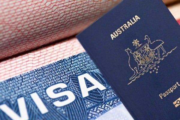 Nhận kết quả visa và chuẩn bị thủ tục nhập học